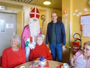 Photo de la visite de Saint-Nicolas au Home Sacré-Cœur à Ploegsteert